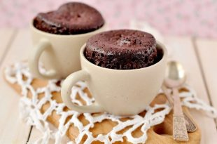 Delicious cupcake in 5 minutes in a mug